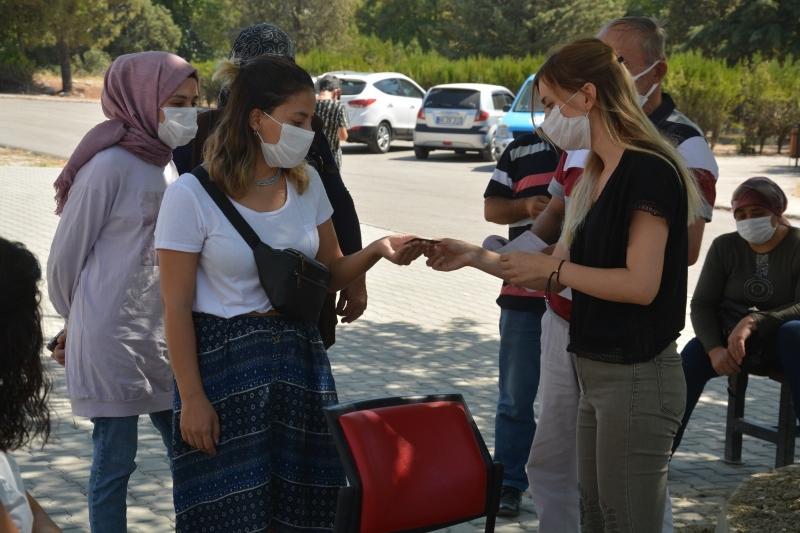Başkan Özbaş, üniversite öğrencilerine güven dağıttı