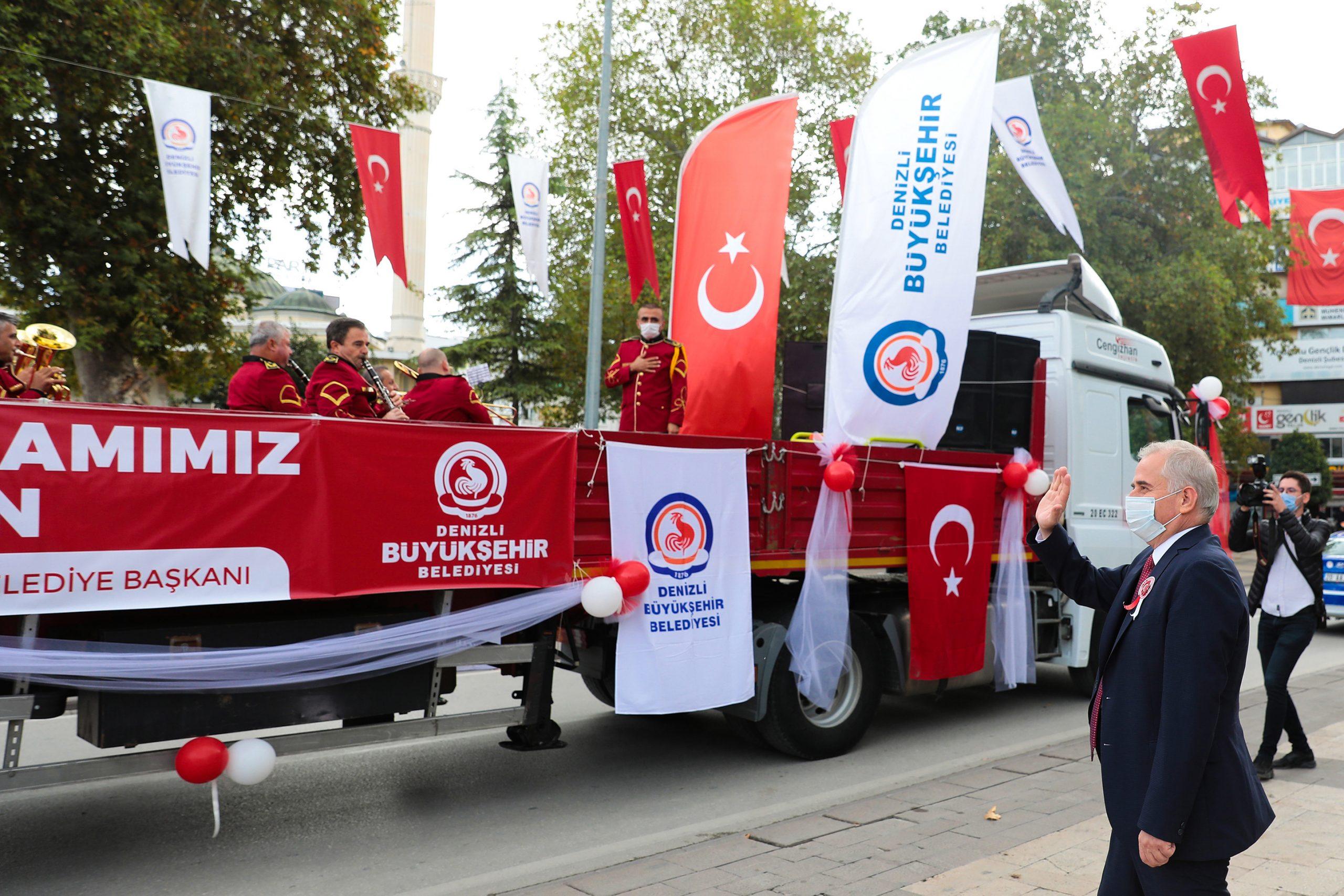 Cumhuriyet Bayramı TIR'ıyla bayram coşkusu tüm kenti sardı