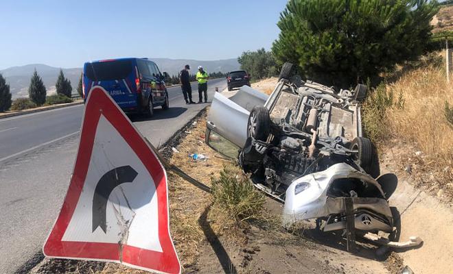 Sarayköy'de araç takla attı! 2 kişi yaralandı!