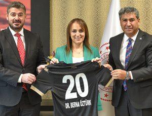Denizli İl Sağlık Müdürlüğü'nden Altaş Denizlispor'a sezon boyu destek!